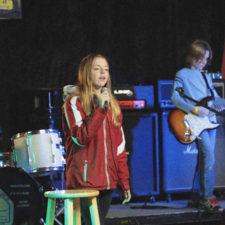 Singer Wide 2_500