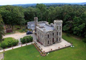Aerial shot of Winnekenni Castle.